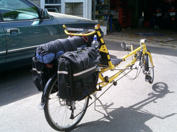 slipstream_panniers_tent.jpg